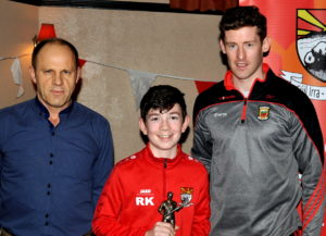 u12-hurler-of-the-year-rory-kinane-receining-his-award-from-anthony-ryan-and-david-clarke-at-the-coolera-strandhill-awards-evening