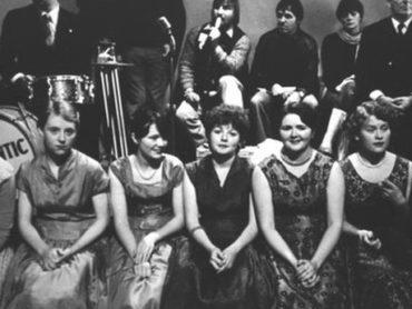PODCAST: Women of the Glen – The Romantic Interlude