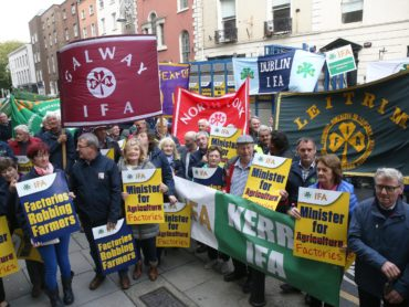 Farmers protest in Ballyhaunis over inadequate beef prices