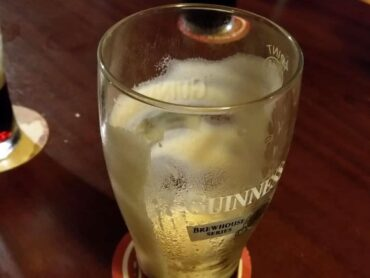 Overcrowding in Bundoran bars criticised by publican